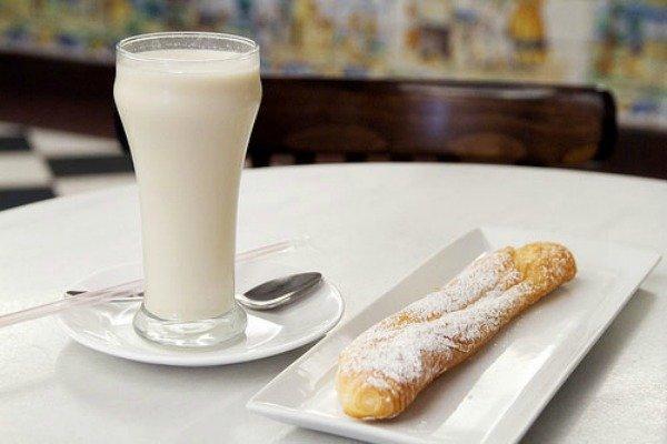 Barcelona Autrement - Horchata de chufa - Horchata y farton