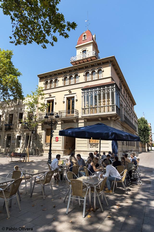Barcelona Autrement - Comme un local à la plaça de la Concòrdia