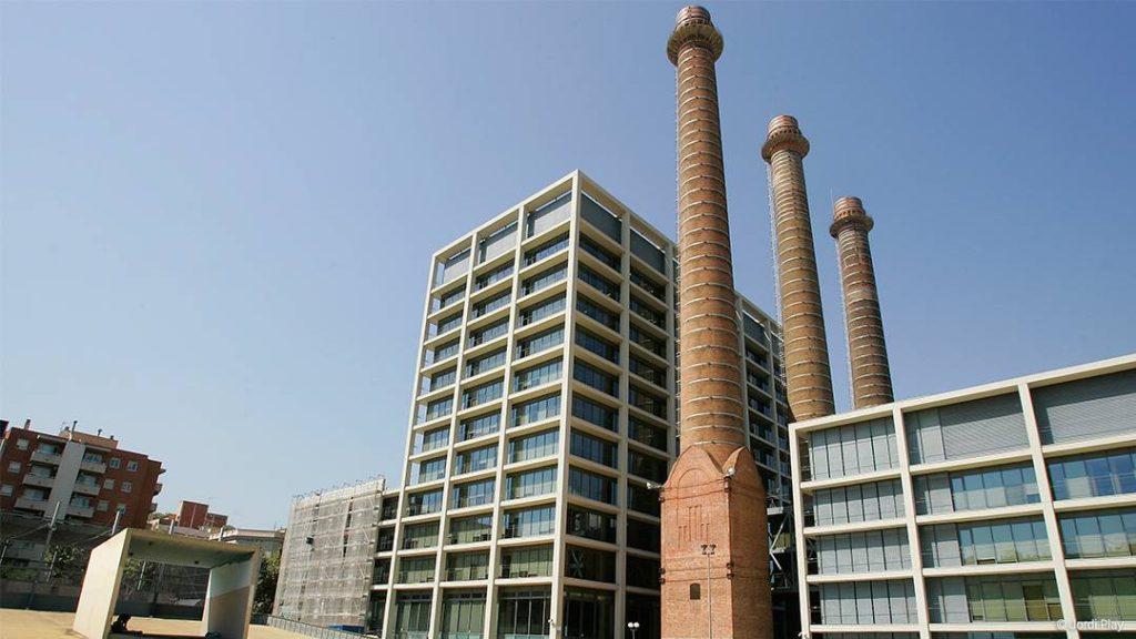Barcelona Autrement Skyline - Les cheminées de Poble Sec