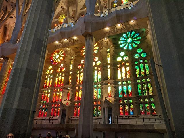 Sagrada Familia vitraux - Barcelona Autrement