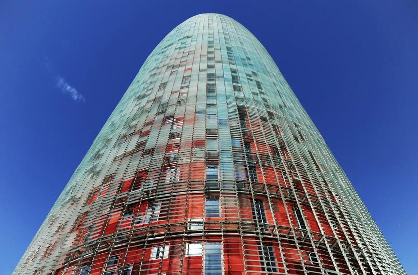 Barcelona Autrement - Jean Nouvel - Les couleurs de la façade