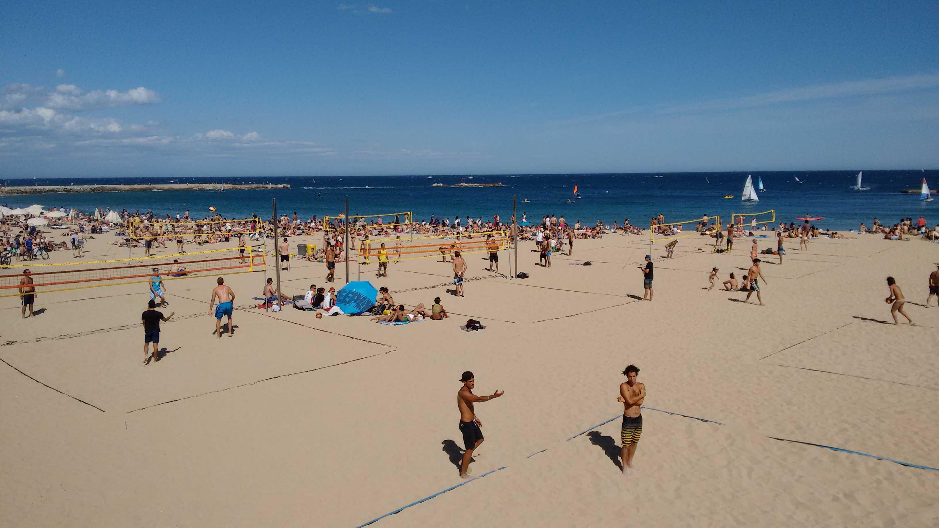 Barcelona Autrement - Sport à Barcelone - Beach volley