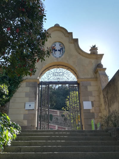 Barcelona Autrement - Jardins de Laribal - 2 chats