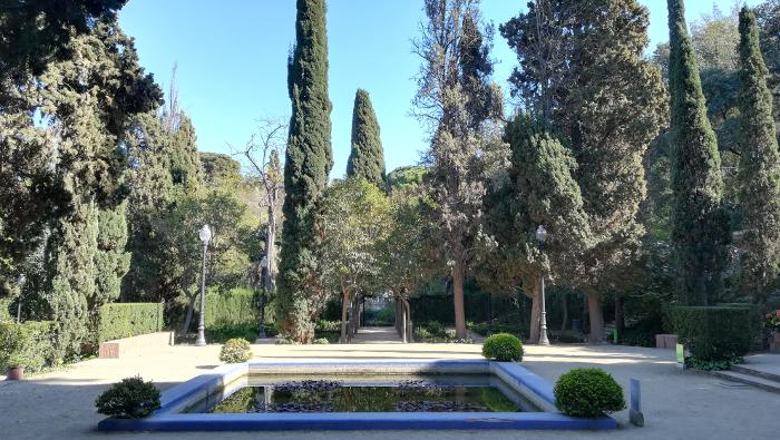 Barcelona Autrement - Jardins de Laribal - Bassin roseraie