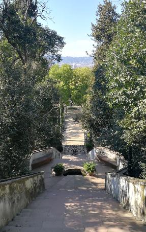 Barcelona Autrement - Jardins de Laribal - Panorama escaliers Generalife