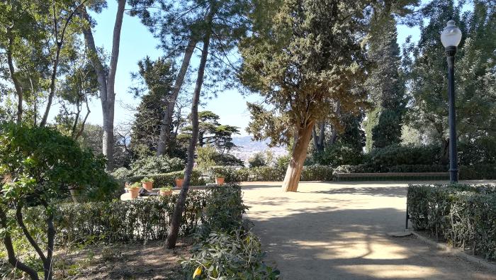 Barcelona Autrement - Jardins de Laribal - Placette cyprès