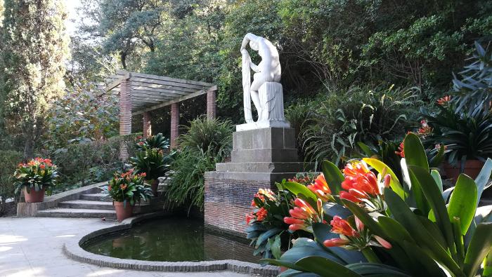 Barcelona Autrement - Jardins de Laribal - Sculpture art déco
