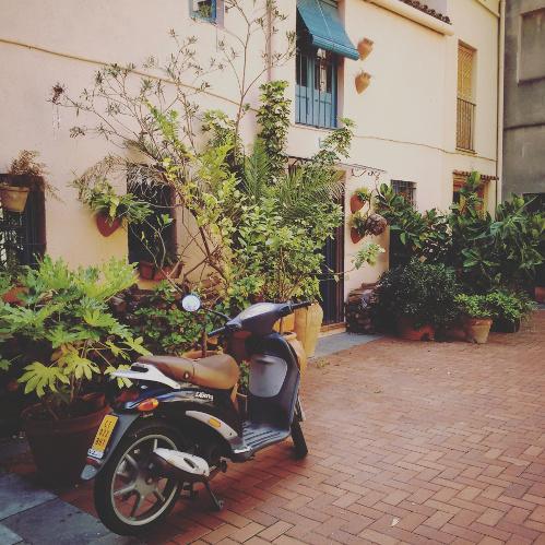 Barcelona Autrement - 16 endroits insolites - Petite place à Sarrià