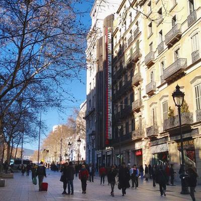 Barcelona Autrement - Thermomètre géant - Avenue Portal de l