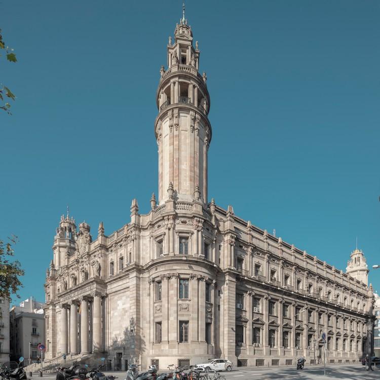 L'édifice Correos de la via Laietana