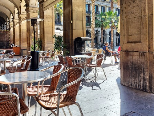 Un matin sur la plaça Reial